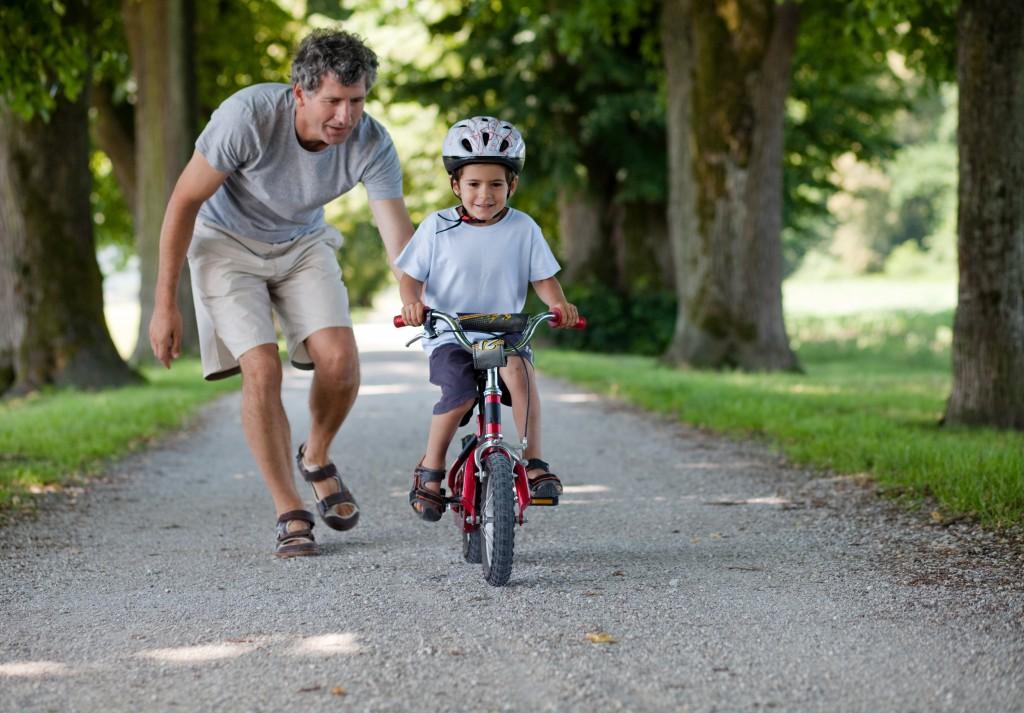 Visi, kas mokė vaiką važiuoti dviračiu, žino, kiap sunku pasiekti idealų mokytojo ir mokinio santykį.